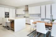 Фото 12 Дизайн двухкомнатной квартиры: лучшие реализации перепланировки и особенности зонирования