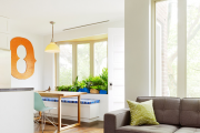Фото 15 Дизайн двухкомнатной квартиры: лучшие реализации перепланировки и особенности зонирования