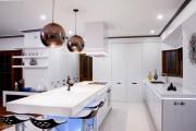 Фото 10 Дизайн двухкомнатной квартиры: лучшие реализации перепланировки и особенности зонирования