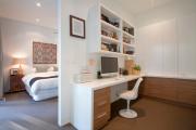 Фото 23 Дизайн двухкомнатной квартиры: лучшие реализации перепланировки и особенности зонирования