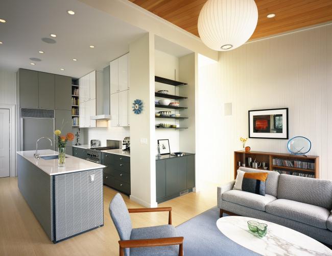 Комфортабельная квартира-студия в серых тонах