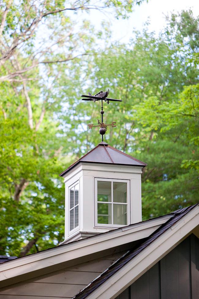 Мужчины оценят возможность украсить крышу флюгером-самолетиком