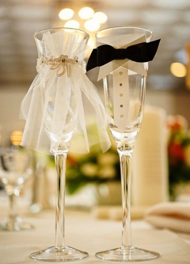 """""""Нарядные"""" свадебные фужеры для шампанского с отделкой ручной работы для молодоженов"""