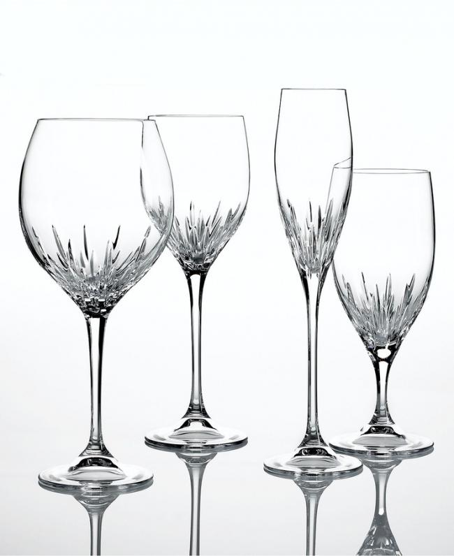 Невероятно красивые, на первый взгляд простые, но в то же врямя роскошные хрустальные фужеры для шампанского