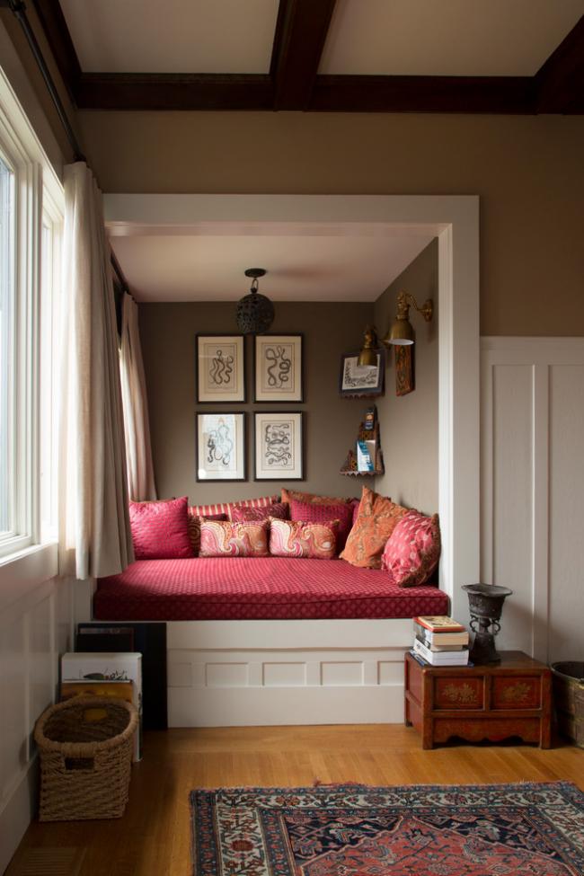 Благодаря просторной нише можно создать отличную спальную зону