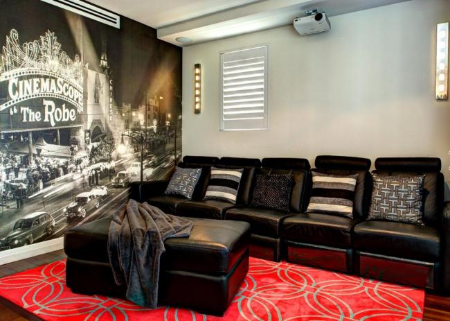 Оформление одной из стен небольшой гостиной 3D графикой