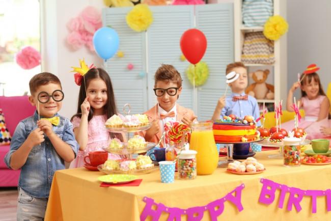 как украсить комнату на день рождения ребенка: создайте для своего малыша яркий и красочный праздник