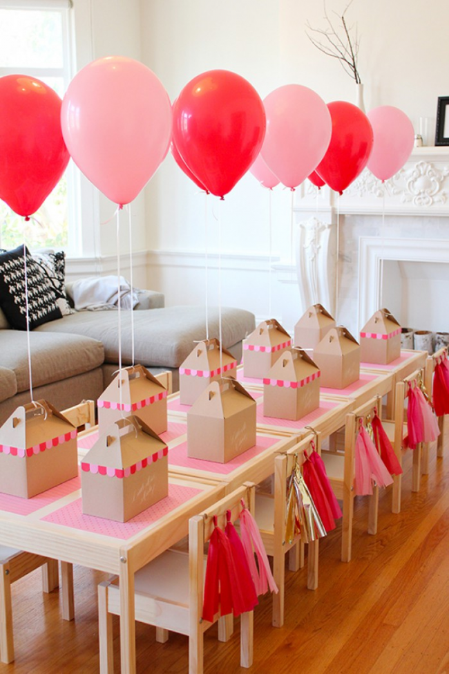 Красные и розовые надувные шары на дне рождении Вашей принцессы