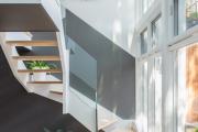 Фото 20 Лестница на второй этаж (120 фото): современные варианты оформления в частном доме