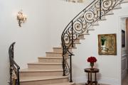 Фото 16 Лестница на второй этаж (120 фото): современные варианты оформления в частном доме