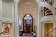 Фото 14 Лестница на второй этаж (120 фото): современные варианты оформления в частном доме