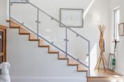 Фото 49 Лестница на второй этаж (120 фото): современные варианты оформления в частном доме