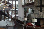 Фото 66 Лестница на второй этаж (120 фото): современные варианты оформления в частном доме