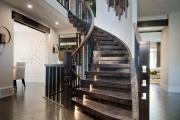 Фото 67 Лестница на второй этаж (120 фото): современные варианты оформления в частном доме