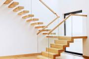 Фото 56 Лестница на второй этаж (120 фото): современные варианты оформления в частном доме