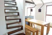Фото 55 Лестница на второй этаж (120 фото): современные варианты оформления в частном доме