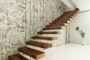 Фото 54 Лестница на второй этаж (120 фото): современные варианты оформления в частном доме