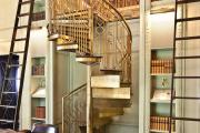 Фото 44 Лестница на второй этаж (120 фото): современные варианты оформления в частном доме