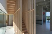 Фото 74 Лестница на второй этаж (120 фото): современные варианты оформления в частном доме