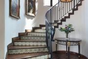 Фото 29 Лестница на второй этаж (120 фото): современные варианты оформления в частном доме
