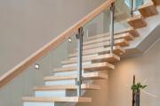 Фото 25 Лестница на второй этаж (120 фото): современные варианты оформления в частном доме