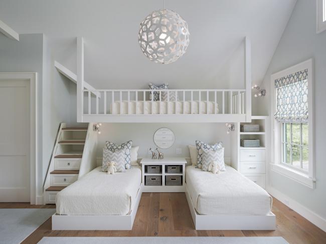 """Решить проблему """"скучного"""" белого цвета можно при помощи нестандартного дизайна люстры в детскую комнату"""