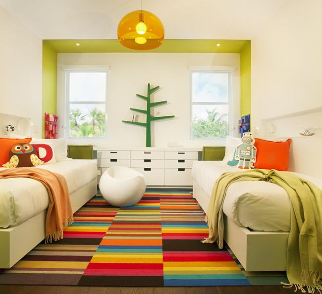 Люстра желтого цвета - оптимальный вариант для детской комнаты