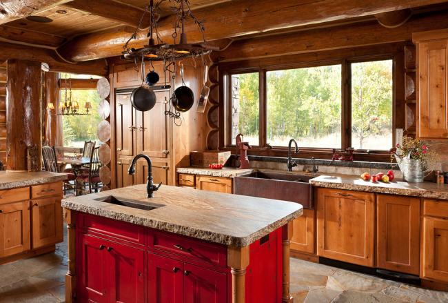 Узкую мойку можно вмонтировать в кухонный островок