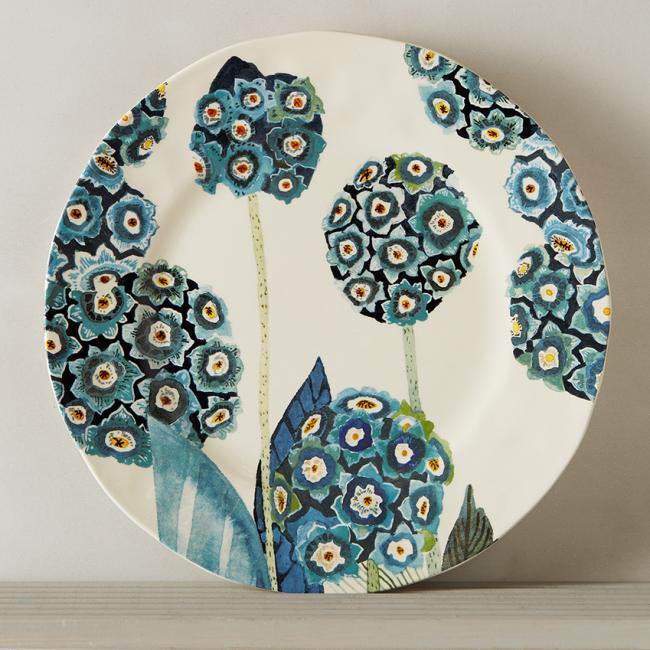 Керамическая пирожковая тарелка с рисунком в очень нежных голубых тонах