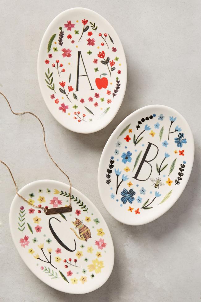 Декоративные тарелки с росписью