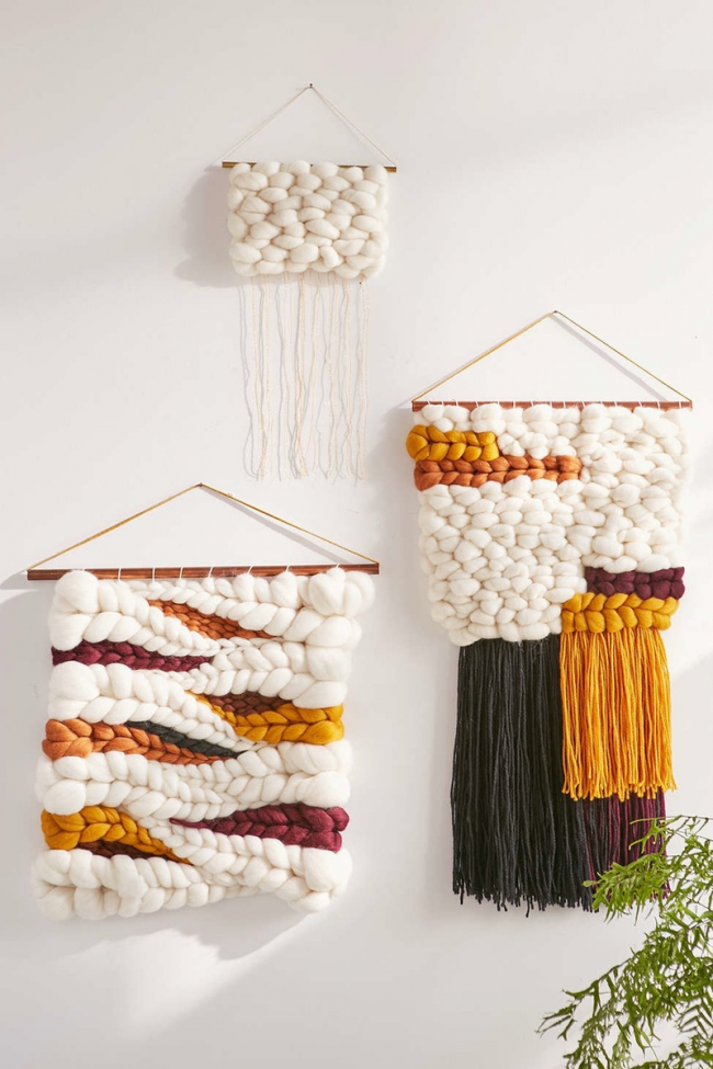 Также из очень толстых нитей вы можете создать очень необычные гобелены, которые станут оригинальным украшением стен вашего дома