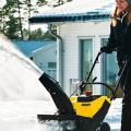 Бензиновые самоходные снегоуборщики: рейтинг и сравнение популярных моделей фото
