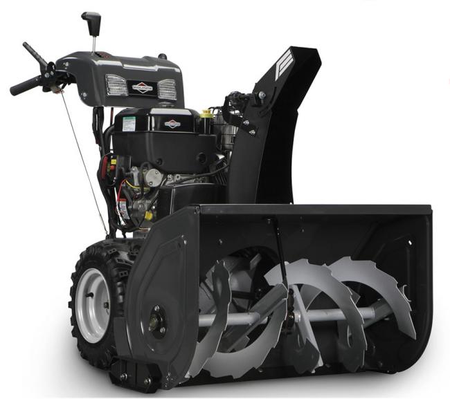 Снегоуборочной машиной очень удобно маневрировать особенно по ледяной поверхностям за счет шин с зимним протектором. А рукоятка с подогревом обеспечит максимальный комфорт при уборке снега в самую лютую зиму