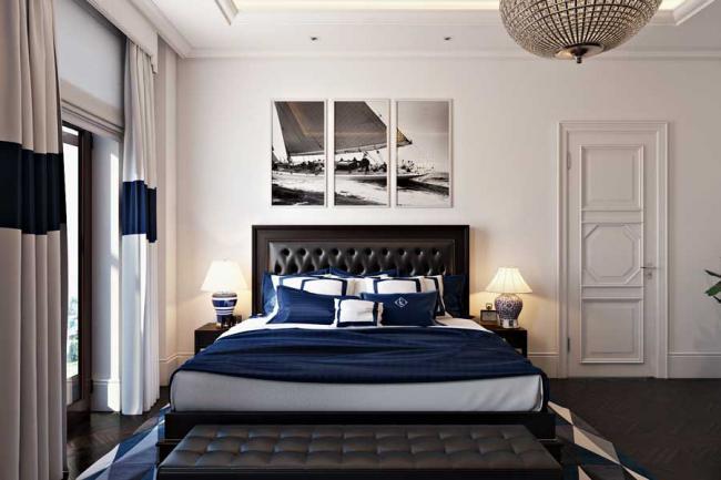 Картина в спальне в виде напечатанного изображения, разделенного на 3 части
