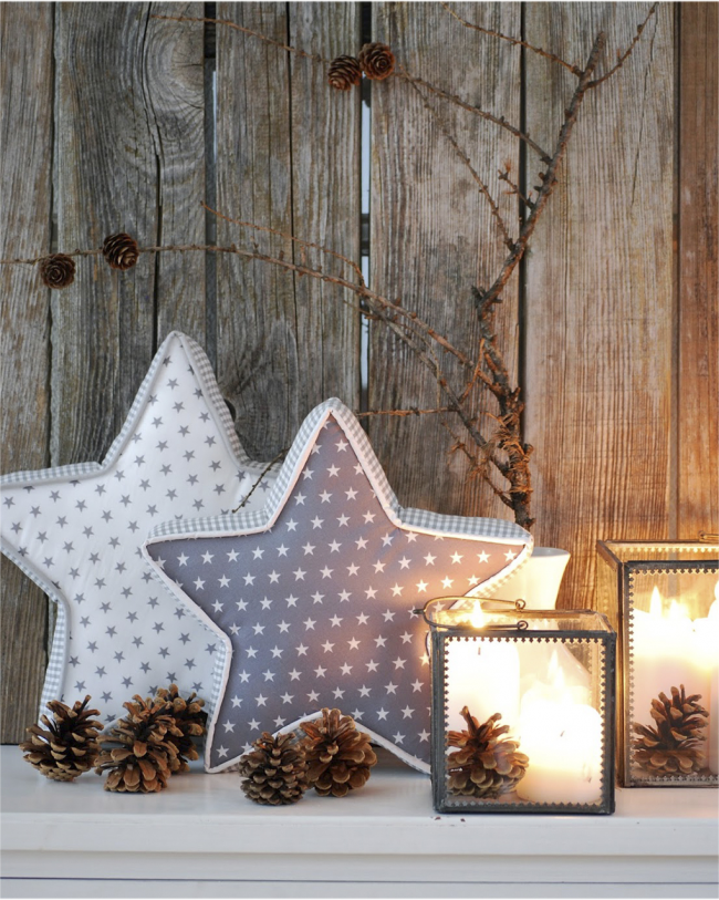 Декоративные подушечки в виде звезд