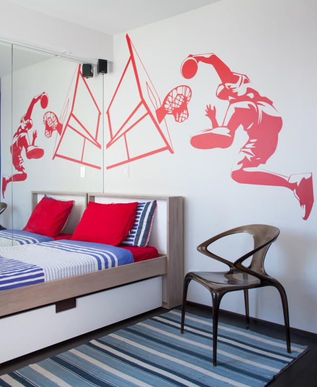 Рисунок в спортивной тематике отлично подойдет для украшения комнаты мальчика-подростка