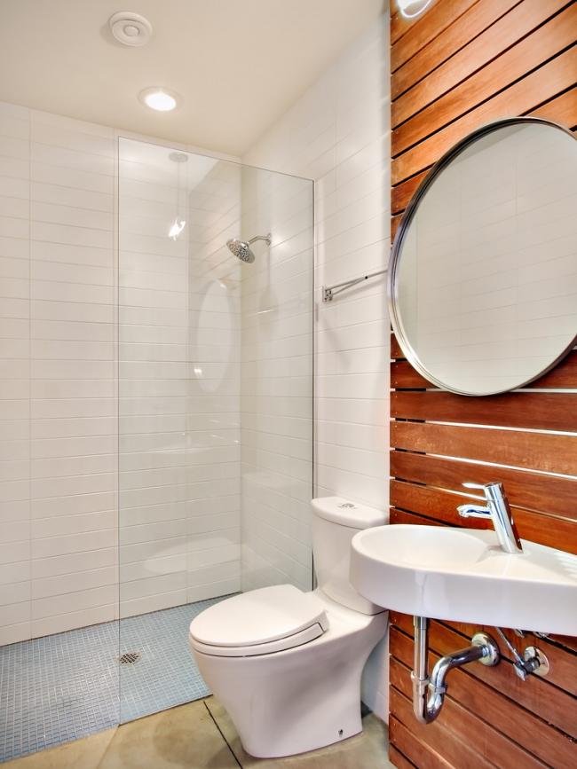Точечные светильники наилучший вариант для освещения небольшой ванной комнаты