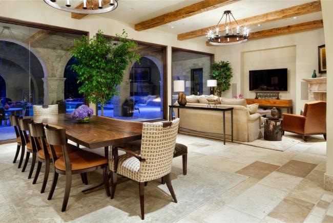 Фикус Бенджамина в интерьере: живое или искусственное дерево фикуса невероятно освежит интерьер просторной комнаты