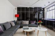 Фото 35 Корпусная мебель для гостиной в современном стиле: обзор 90+ трендовых решений