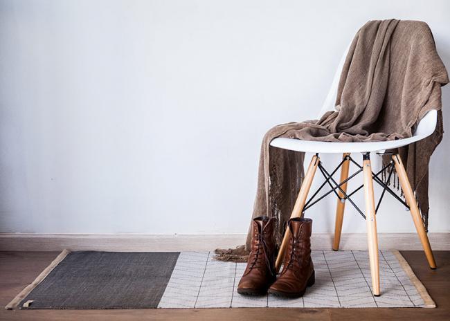 В современном дизайне сегодня чаще применяют небольшие ковровые дорожки