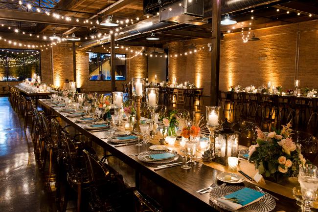 Все чаще молодожены выбирают рестораны с изысканным интерьером и уходят в оформлении свадебных столов в сторону минимализма