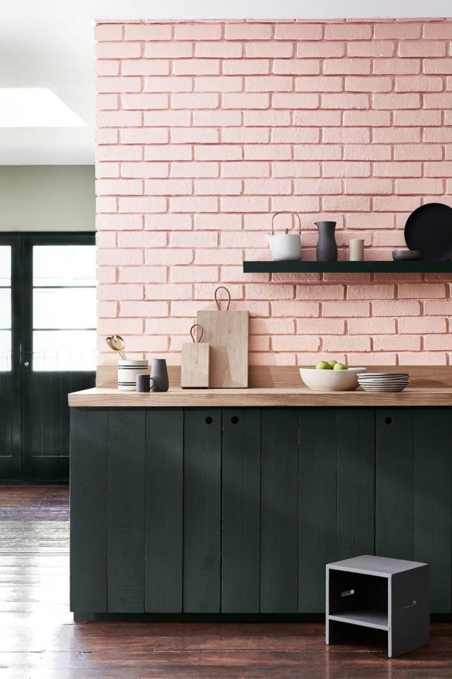Кухня оформленная в пастельных тонах смотрится очень благородно