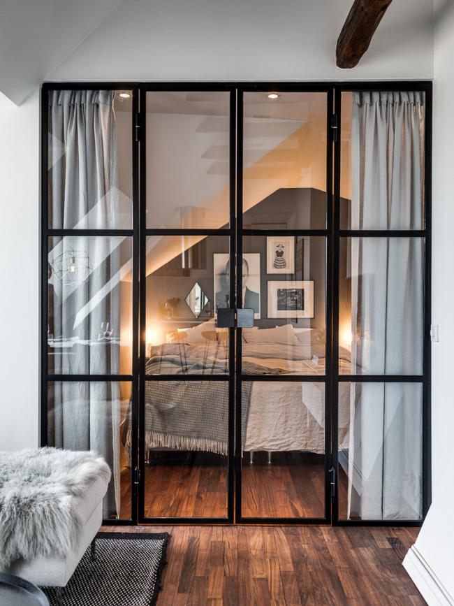 Стеклянные межкомнатные двери в интерьере скандинавского стиля