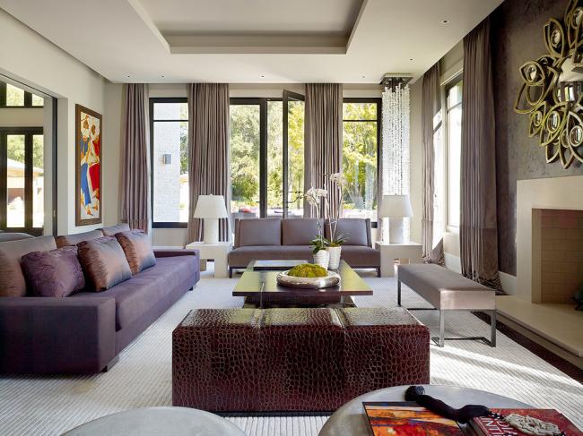 Подвесные гипсокартонные потолки в дизайне классической гостиной
