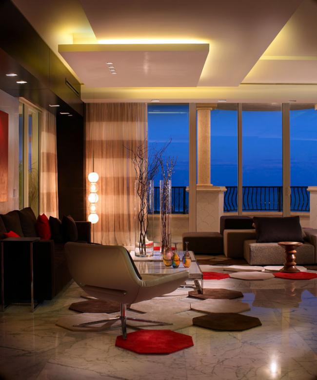 Точечные светильники и неоновая подсветка подчеркнут современный стиль вашего интерьера
