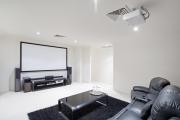Фото 34 Проекторы для домашнего кинотеатра: какой выбрать? ТОП-10 лучших недорогих моделей с характеристиками и ценами