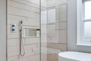 Фото 11 Настенные держатели для душа: как выбрать оптимальную модель для ванной?