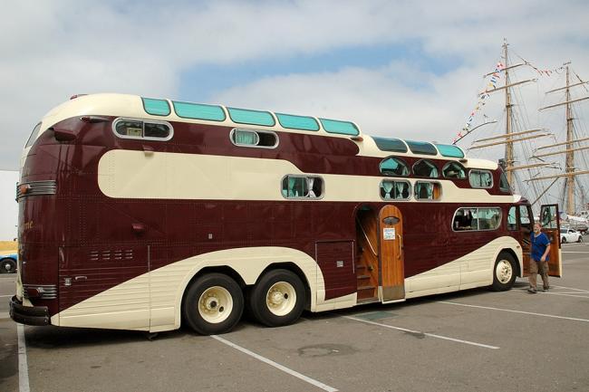 Двухъярусные автобусы требуют минимальных переделок кузова для выигрыша квадратных метров жилого и подсобного пространства