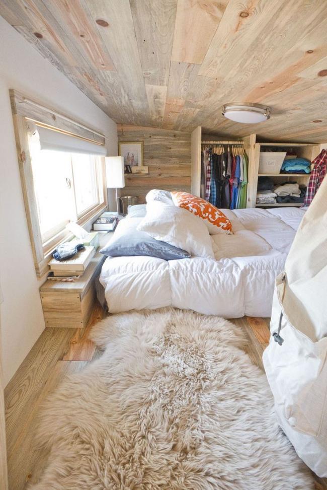 Прицеп или дом на колесах можно спроектировать довольно просторным и не испытывать проблем с хранением вещей во время путешествий