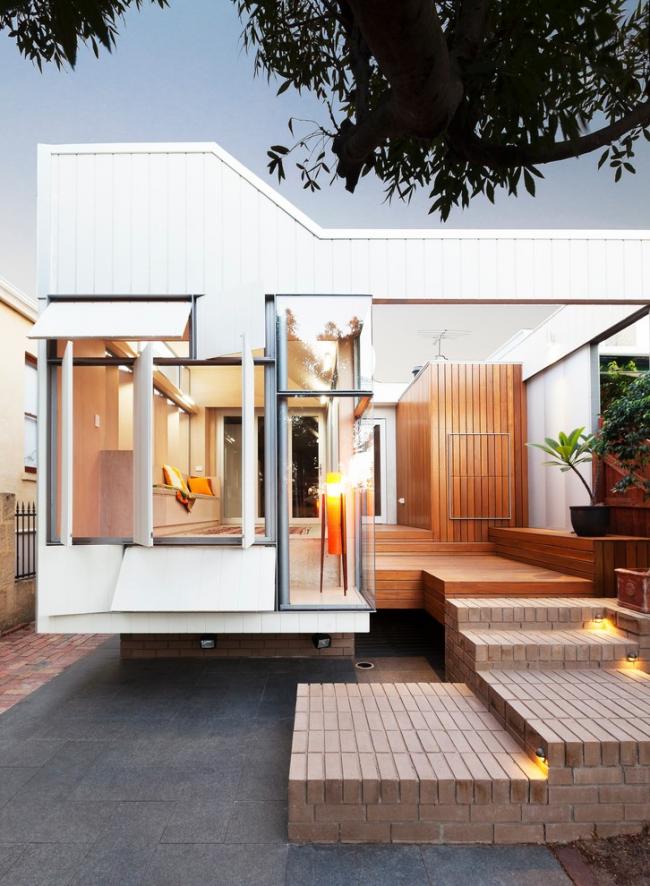 Стильный небольшой одноэтажный дом из морских контейнеров